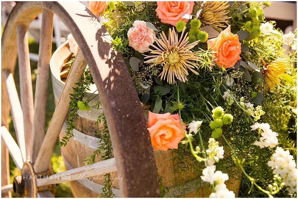 Wagonwheel wedding decor