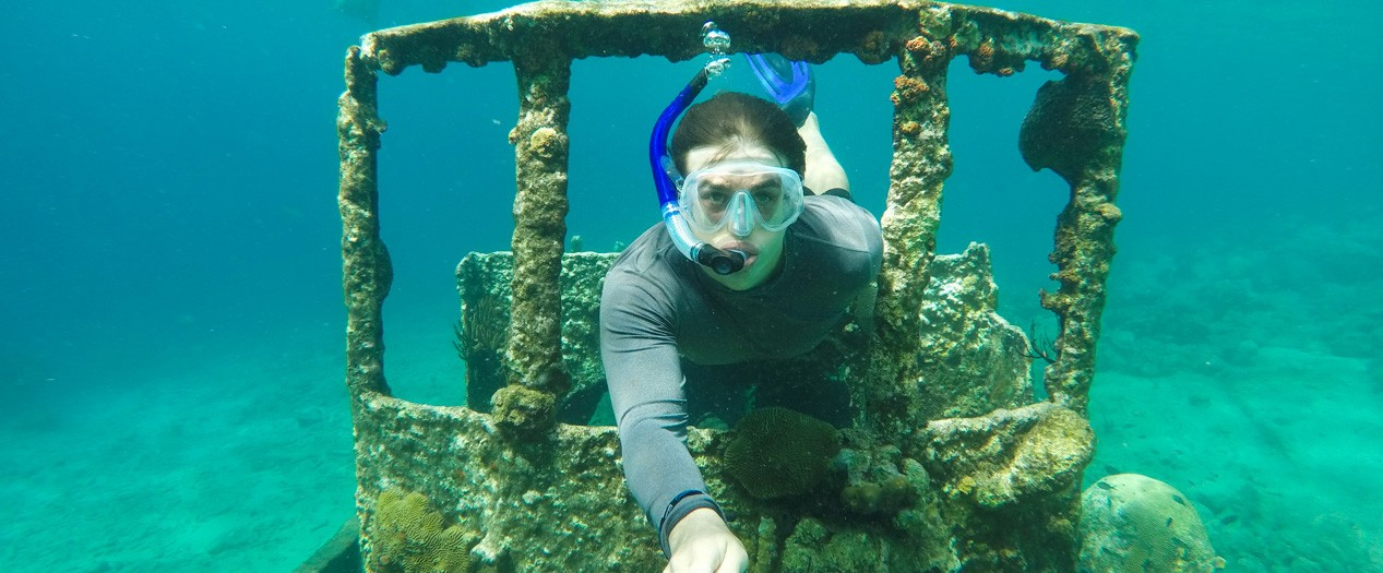 Exploring the Island of Curacao: Underwater