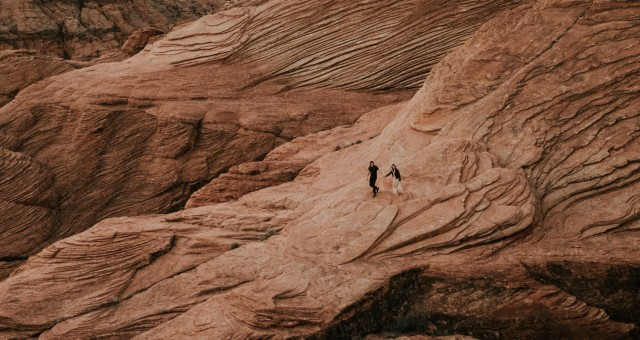 Kari + Ryan | Slot Canyons and Crazy Landscapes in Utah