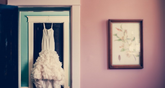 How to Get the Best Photos from a Backyard Wedding