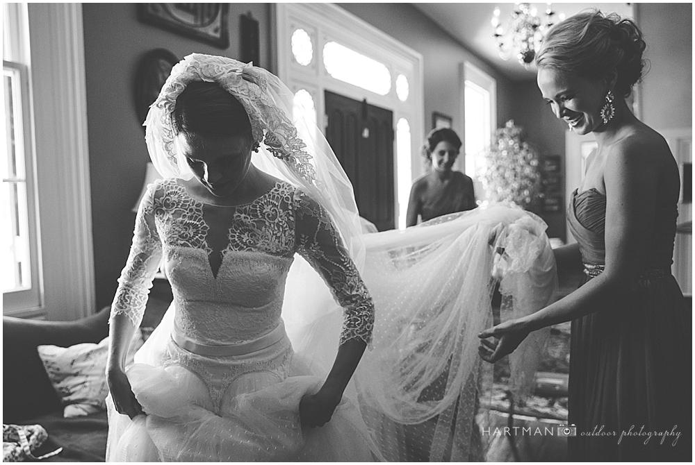 Bride Getting Ready Magnolia Manor
