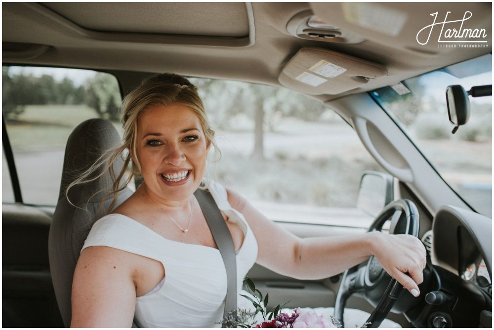 Bride Driving to Ceremony _0009