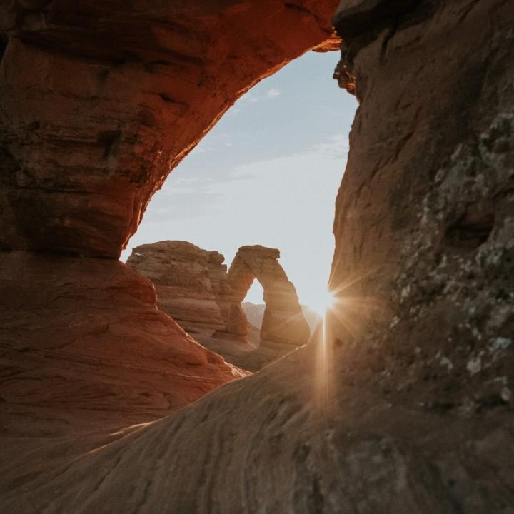 Utah | Sunrise Hike at Delicate Arch