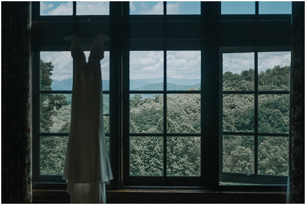 best wedding venue cabin in north carolina mountains